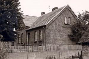 Alte Volksschule Seelbach im Sommer Scan: Uli Sohnius