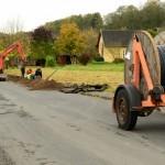 Oktober 2017 | Verlegung der Glasfaser-Leerverrohrung (Orange) und das Leerrohr (Schwarz)